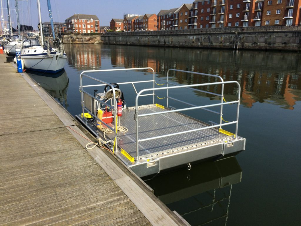 aluminium self propelled pontoon boat