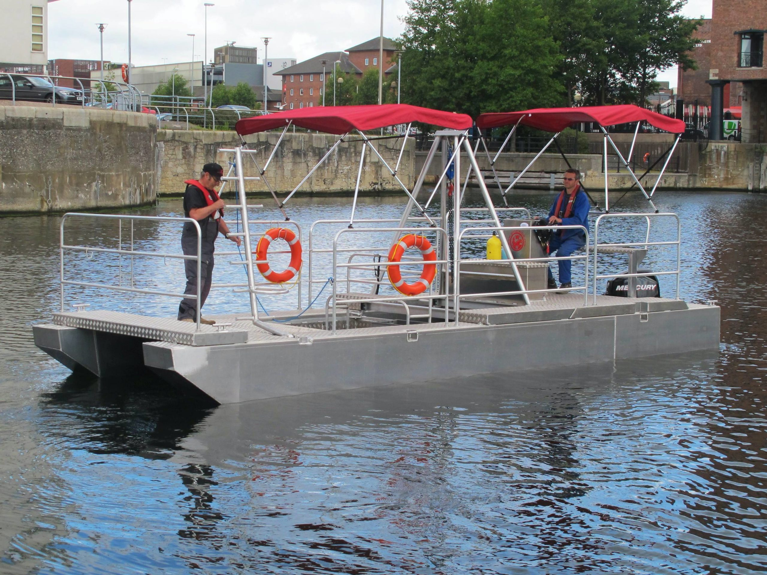 Scuba diving platform boat
